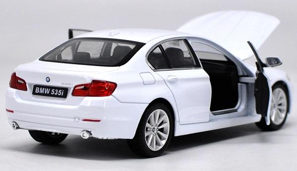 โมเดลรถ โมเดลรถยนต์ โมเดลรถเหล็ก bmw 535i white 4