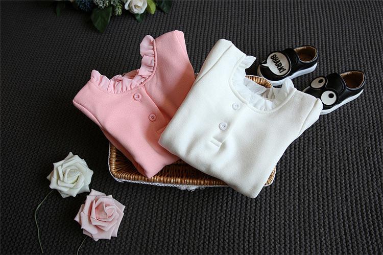 เสื้อกันหนาวแขนยาว สีขาว คอกลมเย็บปักผ้าเป็นระบาย สำหรับคุณหนูตัวน้อย