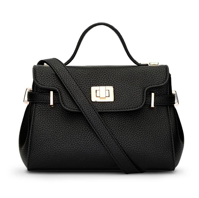 [ พร้อมส่ง Hi-End ] - กระเป๋าแฟชั่น สีดำคลาสสิค ขนาดกระทัดรัด ดีไซน์แบรนด์ดัง สวยเรียบหรู ดูดี งานหนังคุณภาพอย่างดี เหมาะทุกโอกาสการใช้งาน