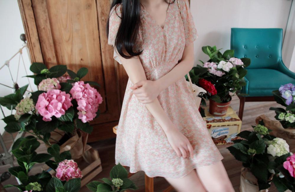 """size L""""พร้อมส่ง""""เสื้อผ้าแฟชั่นสไตล์เกาหลีราคาถูก Brand Chuvivi เดรสสีชมพูลายดอก แขนระบาย ซิปข้าง มีซับใน size L"""