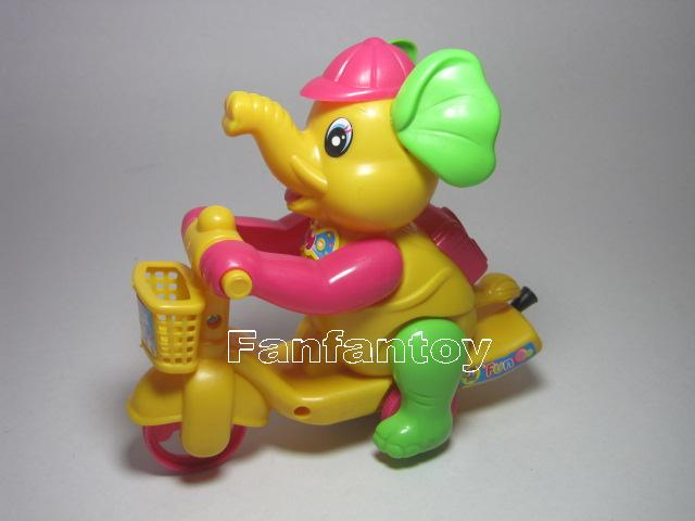 ช้างน้อยปั่นจักรยาน เชือกดึง วิ่งได้ สีเหลือง