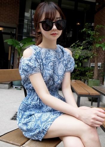 """""""พร้อมส่ง""""เสื้อผ้าแฟชั่นสไตล์เกาหลีราคาถูก Brand Cherry koko เดรสลายสีน้ำเงิน เว้าไหล่ สม๊อกหลัง ไม่มีซับใน น่ารักค่ะ"""