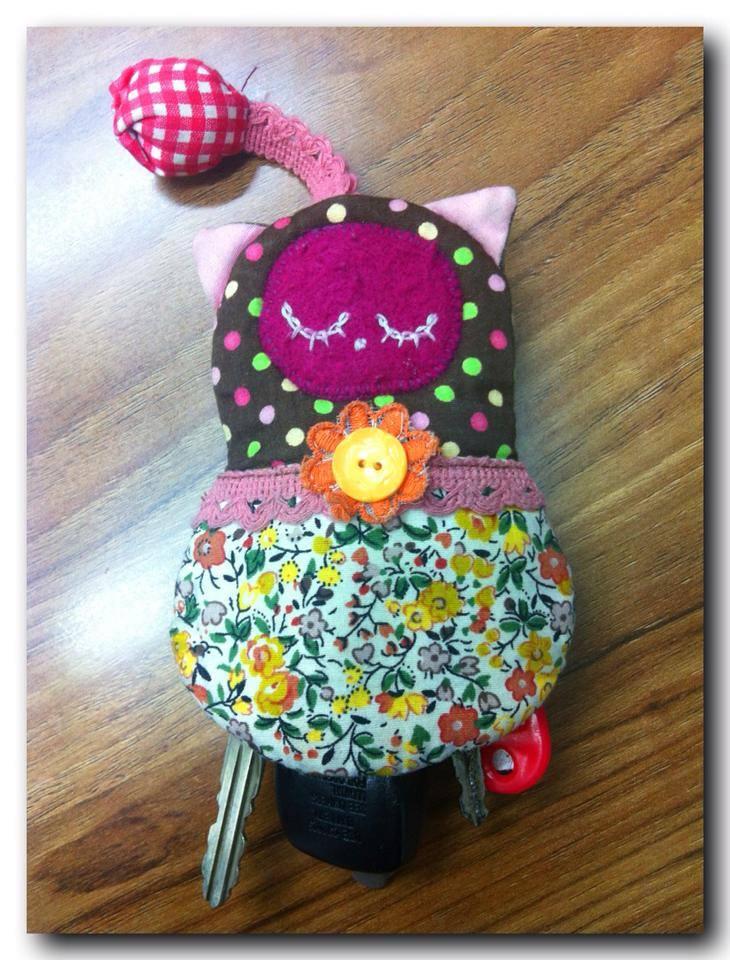 พวงกุญแจ Key Cover รูปน้องแมวเอวคอด