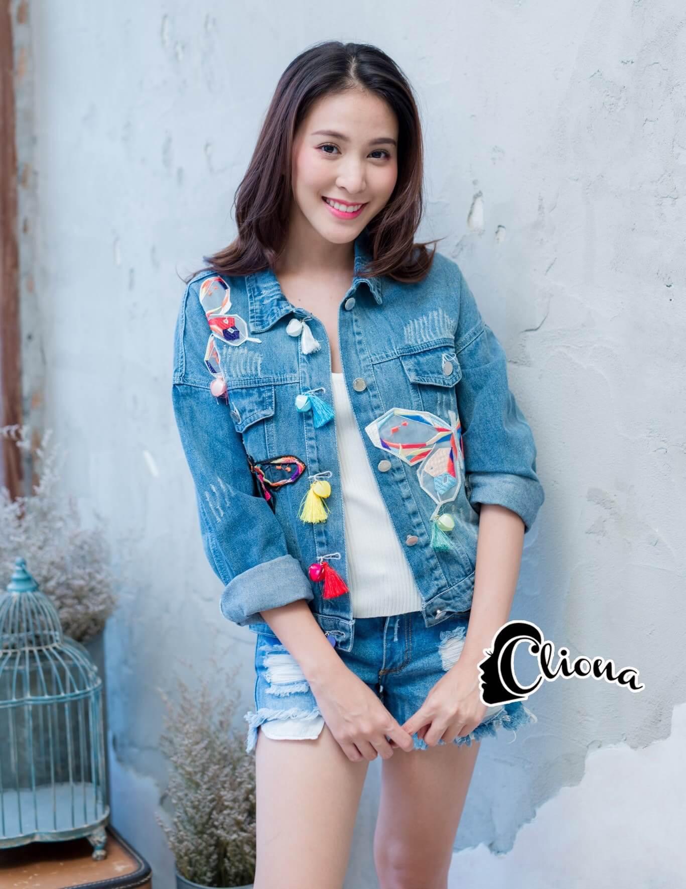 เสื้อผ้าเกาหลี พร้อมส่ง3D Butterfly Denim Jacket