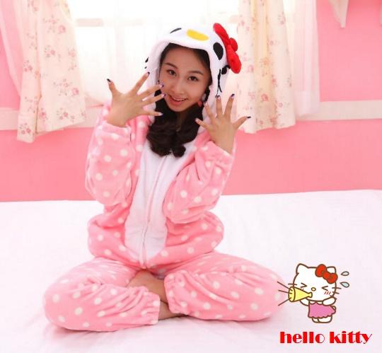เสื้อกันหนาว มีฮู๊ด ผ้าขนนุ่มๆ Hello Kitty **เฉพาะเสื้อ**