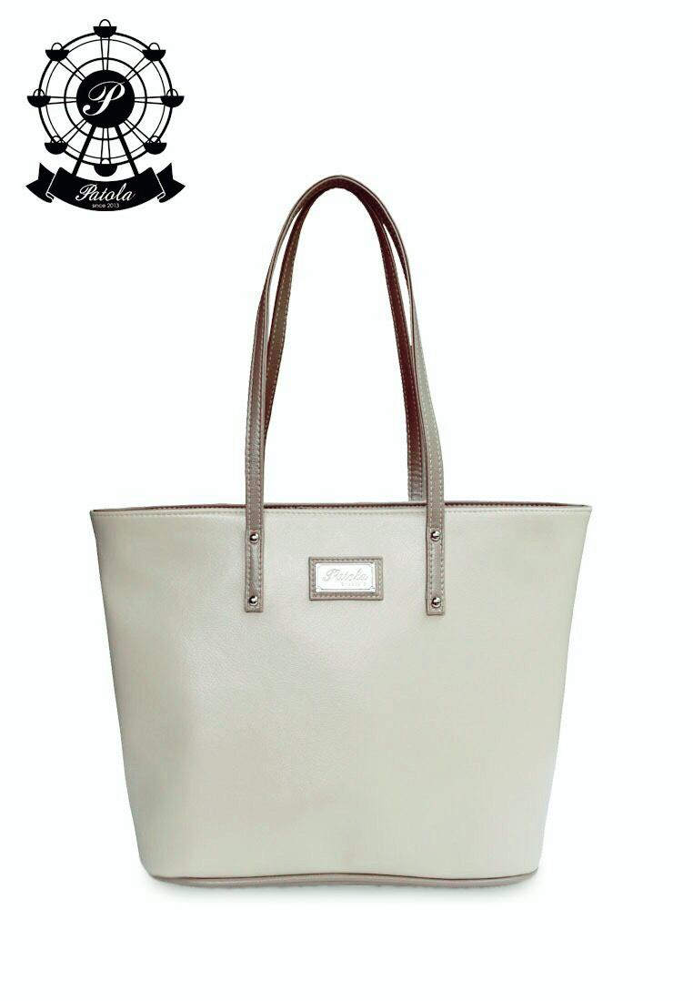 กระเป๋า Patola รุ่น M totebag หนังด้านpu สีเทาอ่อนเทาเข้ม