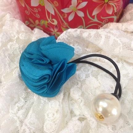 ที่รัดผมดอกกุหลาบสีฟ้า