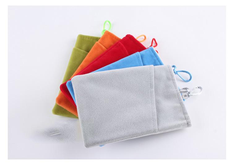 ถุงผ้ากำมะหยี่ 2 ช่อง ใส่มือถือหรือแบตสำรอง ขนาด 5.0 นิ้ว 10*16 ซม. (สีเงิน)