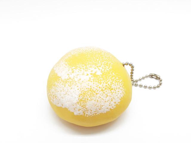 Ca553 Squeez toy โมจิยืด สีส้ม ขนาด 4 CM