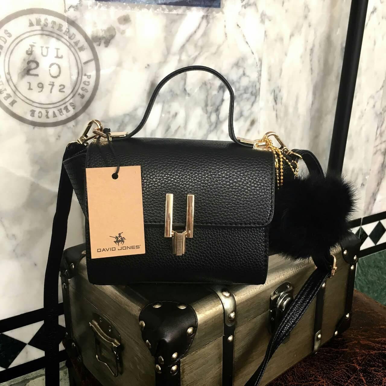HOT PROMOTION - กระเป๋า David Jones Mini Calssic Black ราคา 1,290 บาท Free Ems