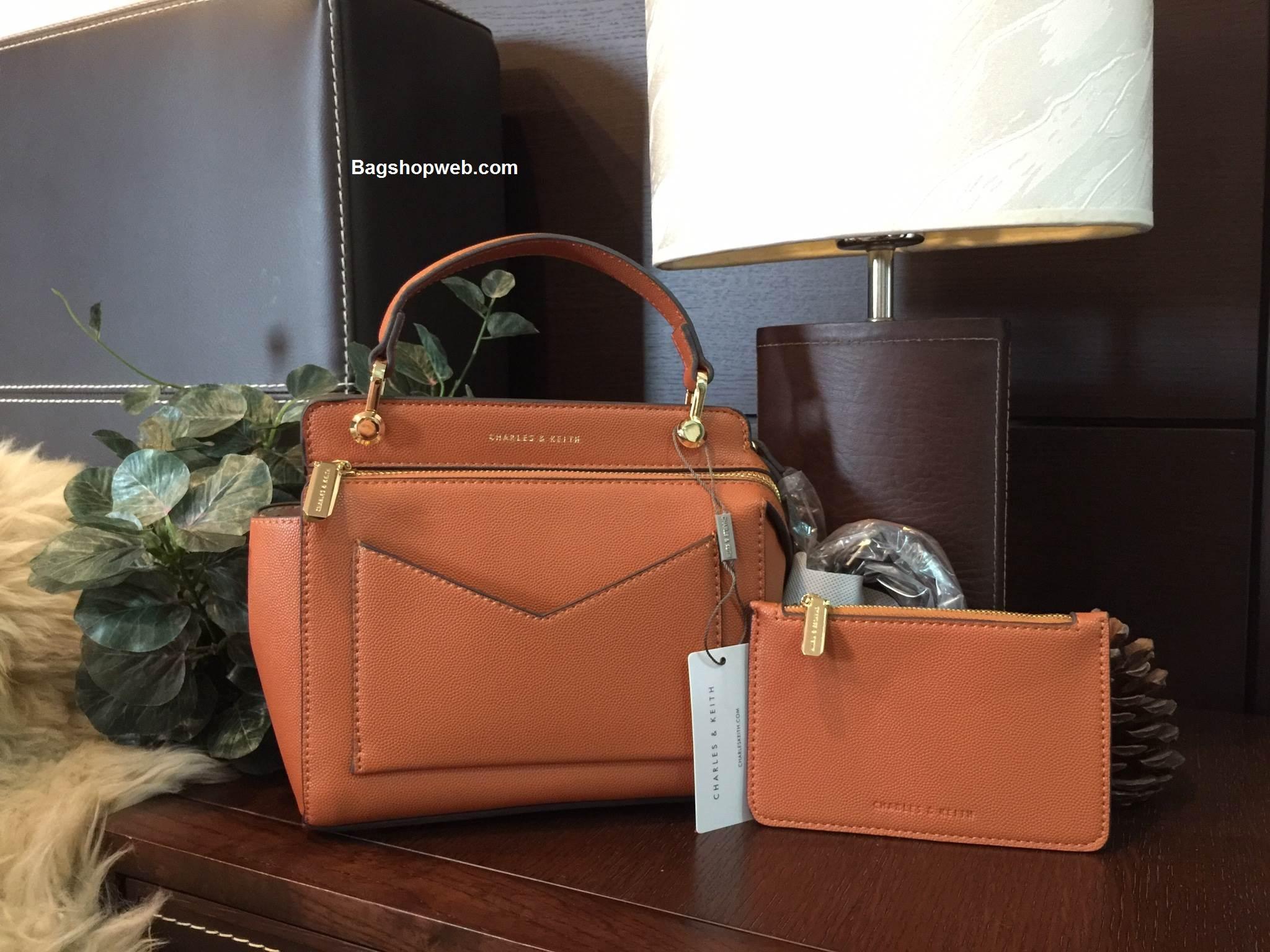กระเป๋า CHARLES & KEITH TOP HANDLE BAG (Size Mini) Orange ราคา 1,490 บาท Free EMS