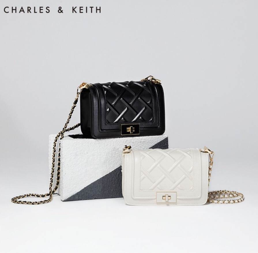 CHARLES & KEITH CHAIN SHOULDER BAG Bestseller