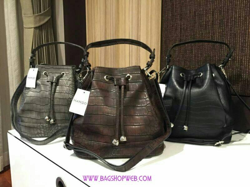 กระเป๋าMANGO / MNG Croc Leather Bucket Bag กระเป๋าถือหรือสะพายทรงขนมจีบรุ่นยอดนิยมวัสดุหนังลาย Croc สุดเท่อยู่ทรงสวย จุของได้เยอะ น้ำหนักเบา