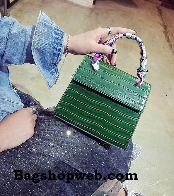 กระเป๋า Infinity Mini Croc City Bag Dark Green ราคา 890 บาท Free Ems