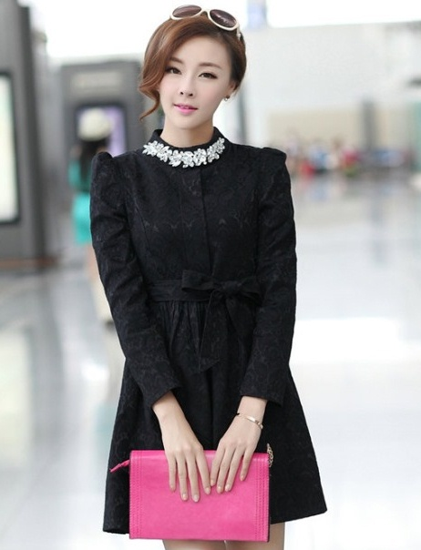ชุดเดรสทำงานแฟชั่นเกาหลี ชุดแซกกระโปรงสั้น สีดำ แขนยาว คอประดับคริสตัล เหมาะกับการใส่ทำงาน,ใส่ออกงาน งานเลี้ยงโอกาสต่างๆ จะให้ลุคที่สวยสง่า เรียบร้อย