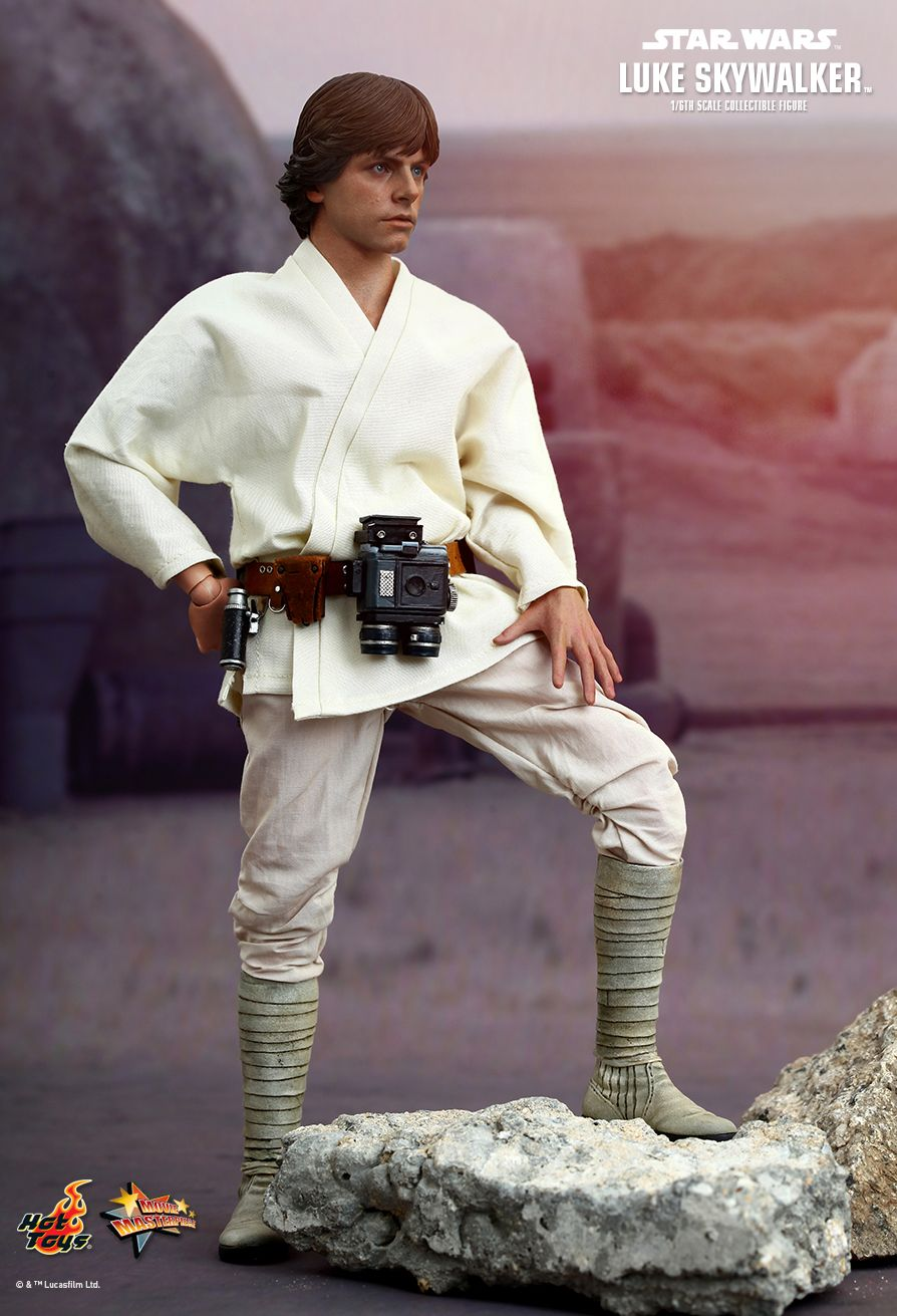 Hot Toys MMS297 STAR WARS: EPISODE IV A NEW HOPE - LUKE SKYWALKER SE