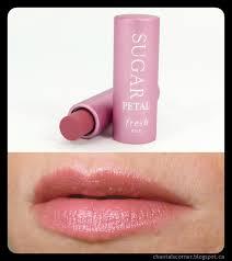 **พร้อมส่ง**Fresh Sugar Petal Tinted Lip Treatment Sunscreen SPF 15 ขนาด 4.3 g. ลิปทินท์บำรุงริมฝีปากสูตรเข้มข้น ทำให้ความชุ่มชื้นแก่ริมฝีปาก มอบความเรียบเนียนและยังช่วยป้องกัน ริมฝีปากจากการทำลายของแสงแดด มาพร้อมกับสีชมพูสดใสดั่งดอกไม้บาน ,