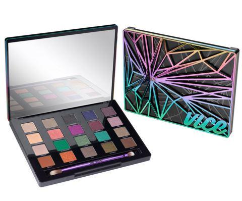 """**พร้อมส่ง**Urban Decay UD Vice 4 Eyeshadow Palette Limited Edition อายแชโดว์พาเลต 20 สีที่เพิ่งเปิดตัวไปหมาดๆ มีสีนู้ดๆ หรือโทนสีกันตายแบบทาได้ทุกวัน และสีสนุกๆ สีสันจัดจ้าน แถมยังพ่วงด้วยคำว่า """"ลิมิเต็ด"""" เข้าไป งานนี้ก็เลยกลายเป็นพาเลทที่สาวๆ ใจสั่นกันไ"""
