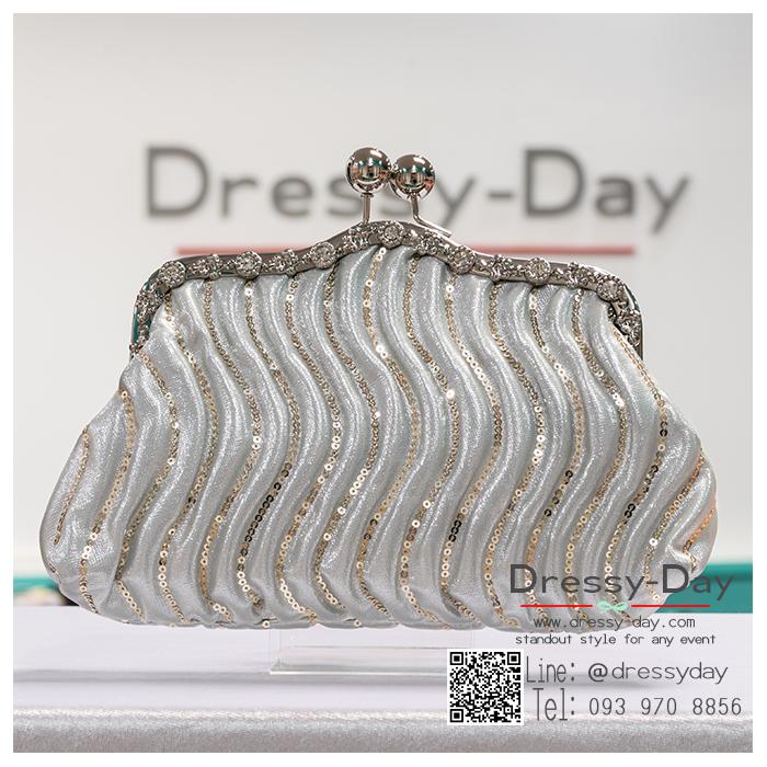 กระเป๋าออกงานพร้อ TE054 : กระเป๋าออกงานพร้อมส่ง สีเงิน กระเป๋าคลัชตกแต่งกริตเตอร์สวยหรูมากค่ะ ราคาถูกกว่าห้าง ถือออกงาน หรือ สะพายออกงาน น่ารักที่สุด