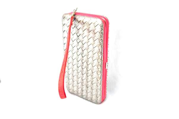 กระเป๋าสตางค์ ใส่มือถือได้ samsung ,iPhone หนังแก้ว สีเงินลายสาน