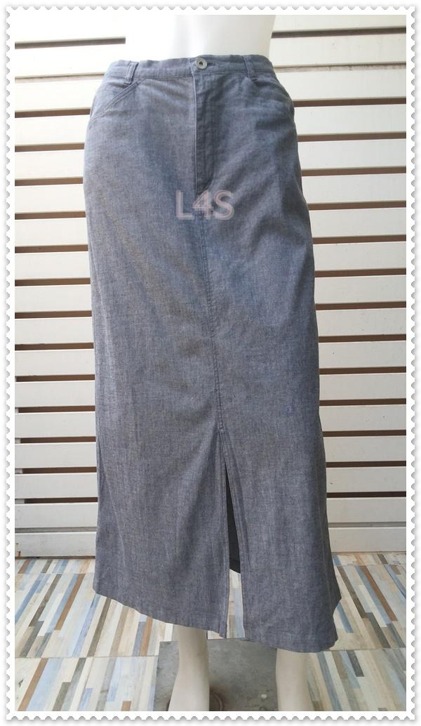 BNB1560-กระโปรงผ้าแฟชั่น งานนำเข้า สียีนส์ แบรนด์ UNIQLO เอว 26 นิ้ว