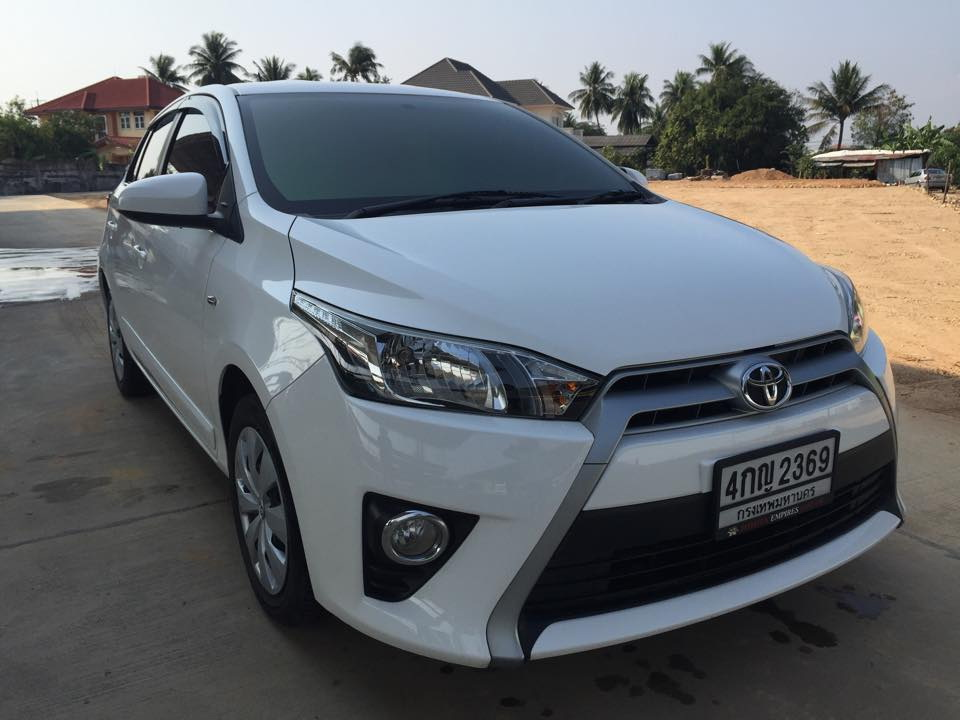 ฟรีดาวน์ ผ่อน 8071 x72 Toyota Yaris 1.2 E airbagคู่ ABS