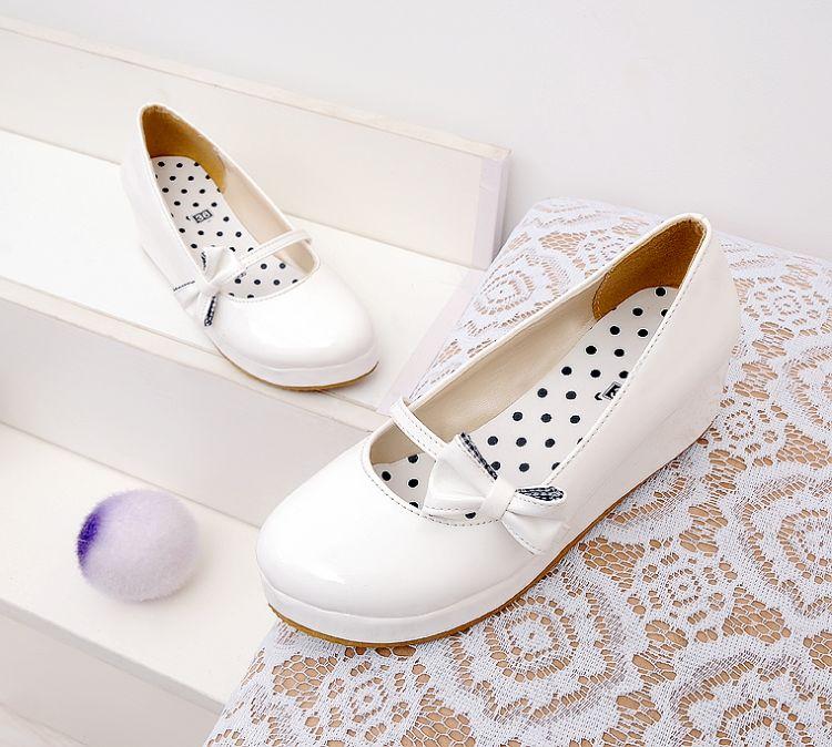 (พร้อมส่ง) รองเท้าแฟชั่นสตรีส้นเตารีประดับโบว์