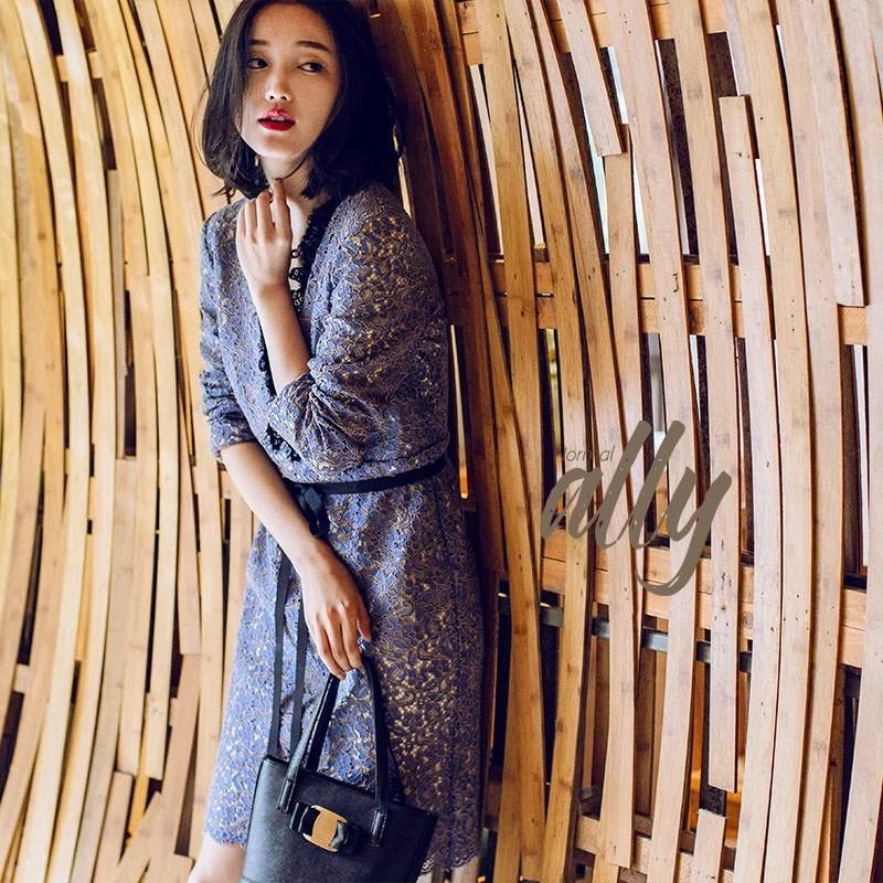 เสื้อผ้าแฟชั่นเกาหลี New Arrival .. Don't Miss!! Normal Ally Present Classy and Boutique lace dress