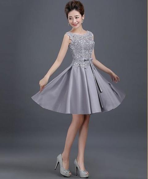 ชุดไปงานแต่งงาน ชุดออกงานสวยหรูสีเทาเงิน ผ้าลูกไม้+ผ้าไหมอิตาลี แขนกุด ชุดสวยเหมือนแบบ ราคาถูก
