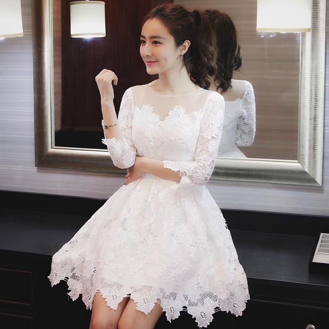 ชุดเดรสสั้นสีขาว ผ้าลูกไม้ แขนสี่ส่วน สวยหวาน สไตล์เกาหลี