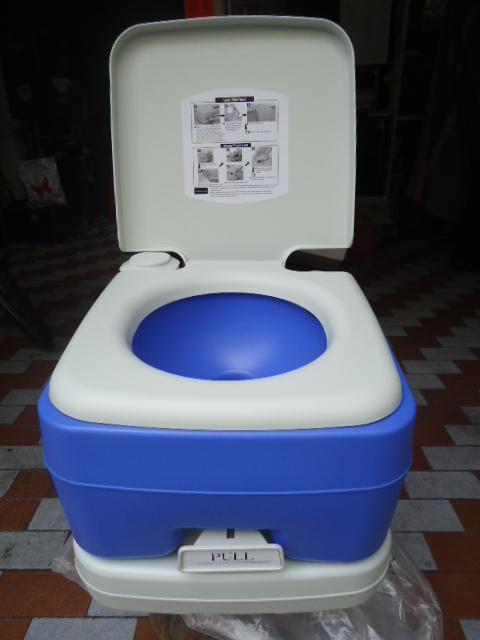 2. ส้วมเคลื่อนที่ 10 ลิตร รุ่น : PT 10 New Basic (สีฟ้า)