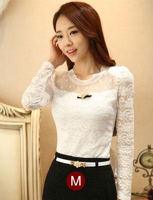 เสื้อทำงานสีขาวผ้าลูกไม้สวยหรู แขนยาว เข้ารูป พร้อมเข็มกลัดน่ารักๆ ไซส์ M
