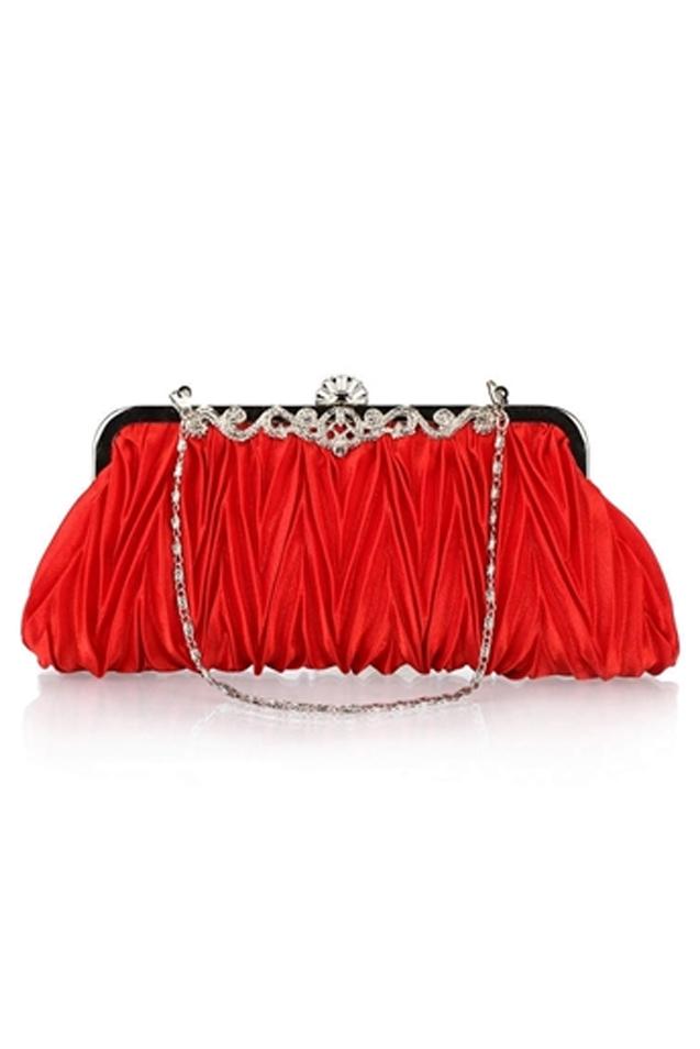 กระเป๋าถือออกงานสีแดง ทรงรี จับจีบ มีสายสะพาย