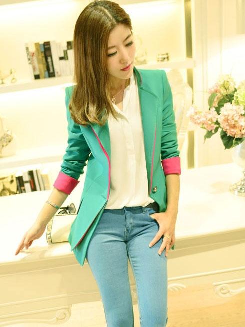 (สินค้าหมด) เสื้อสูทแฟชั่นผู้หญิง เสื้อสูททำงานแขนยาวแต่งแขนพับ เข้ารูป สีเขียว คอปก แต่งขลิบสีชมพูเก๋ๆ