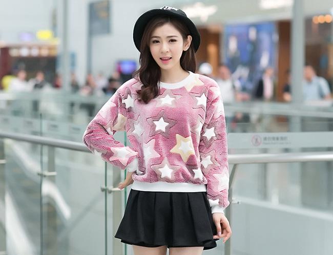 เสื้อแฟชั่นเกาหลีน่ารักๆ สีม่วง พิมพ์ลายเก๋ๆ ผ้าขนนุ่มสบาย คอกลม แขนยาว เอวจั๊ม
