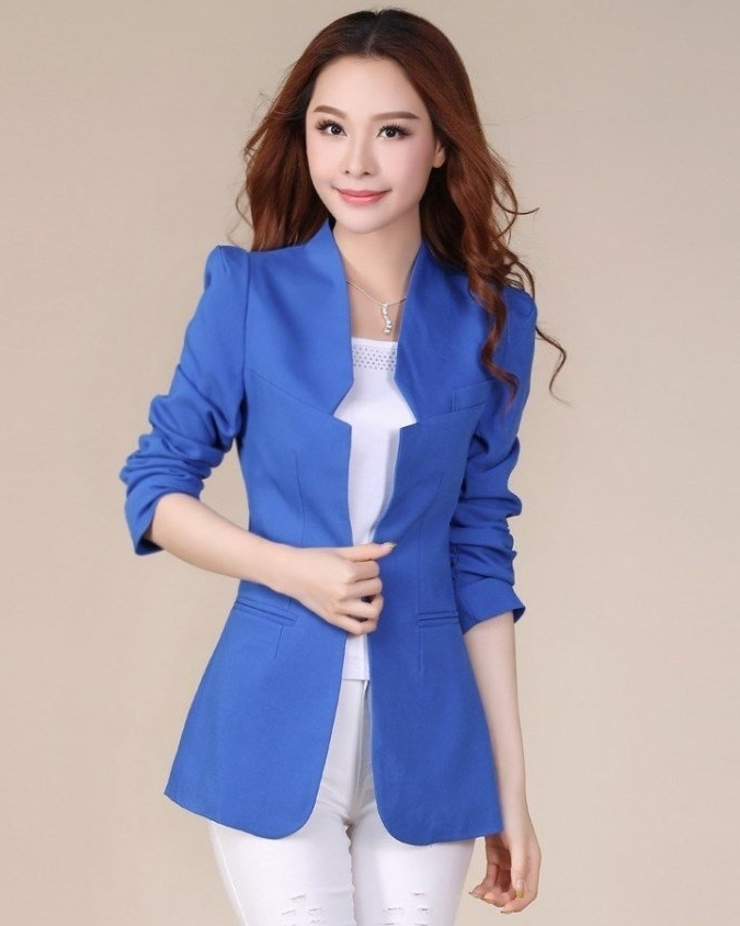 เสื้อสูทแฟชั่น เสื้อสูทผู้หญิง สีน้ำเงิน แขนยาว แต่งเว้าที่ปกเสื้อ ตัวยาวคลุมสะโพก