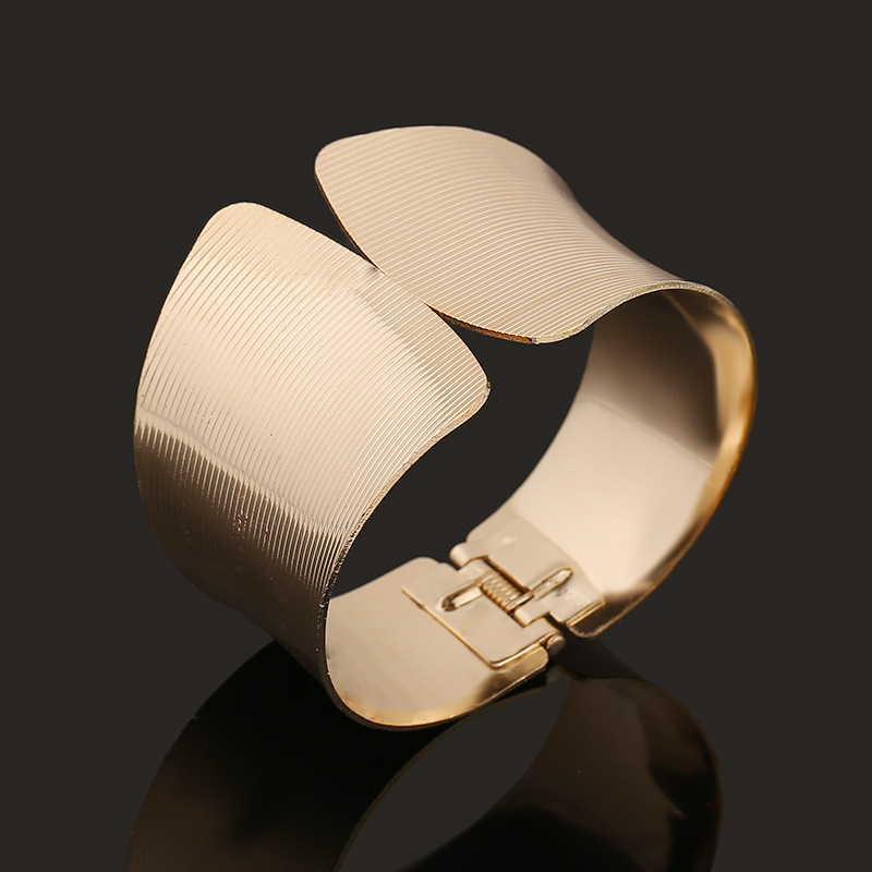 AT2290 - สร้อยข้อมือ,กำไลข้อมือ,กำไล,สร้อยข้อมือทอง,กำไลทอง,เครื่องประดับ yarn pattern golden bracelet