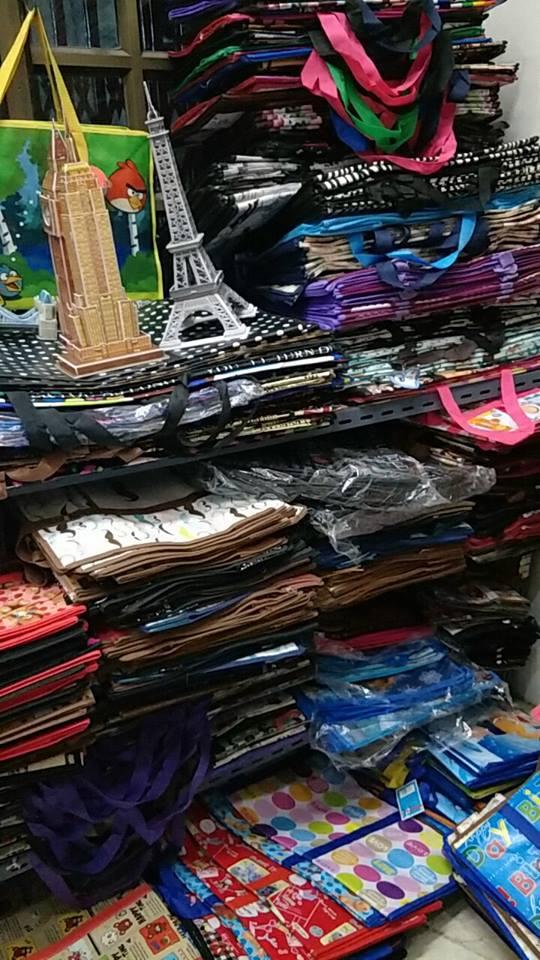 กระเป๋าการ์ตูน ทรงสูง ขนาด 65*55*29 cm. ราคาใบละ 90 บาท ราคาส่ง 65 บาท (1โหล)