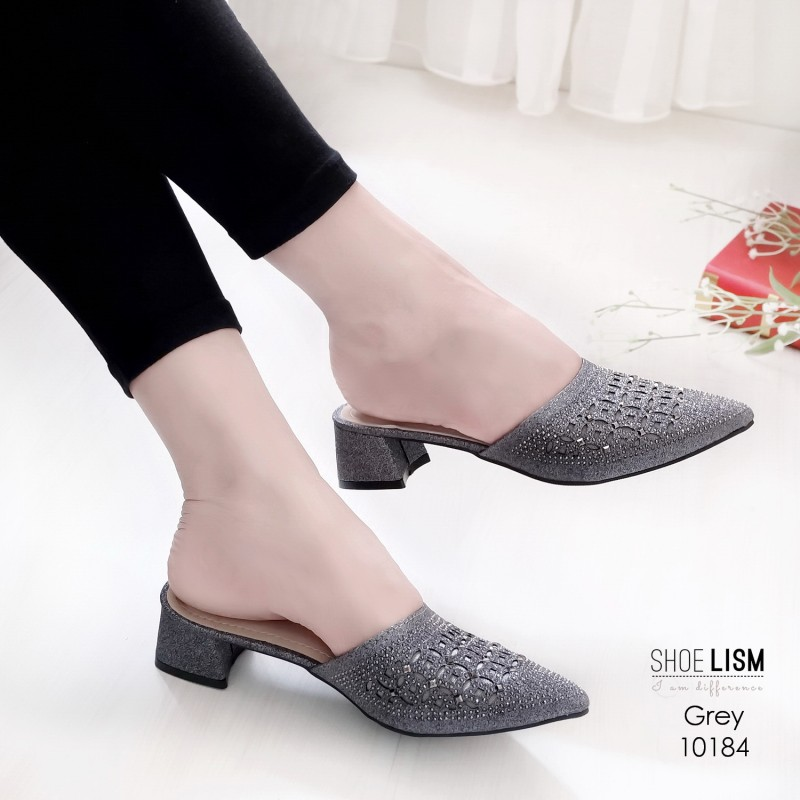 รองเท้าหัวแหลมสีเทา สไตล์ซาร่าห์ LB-10184-เทา