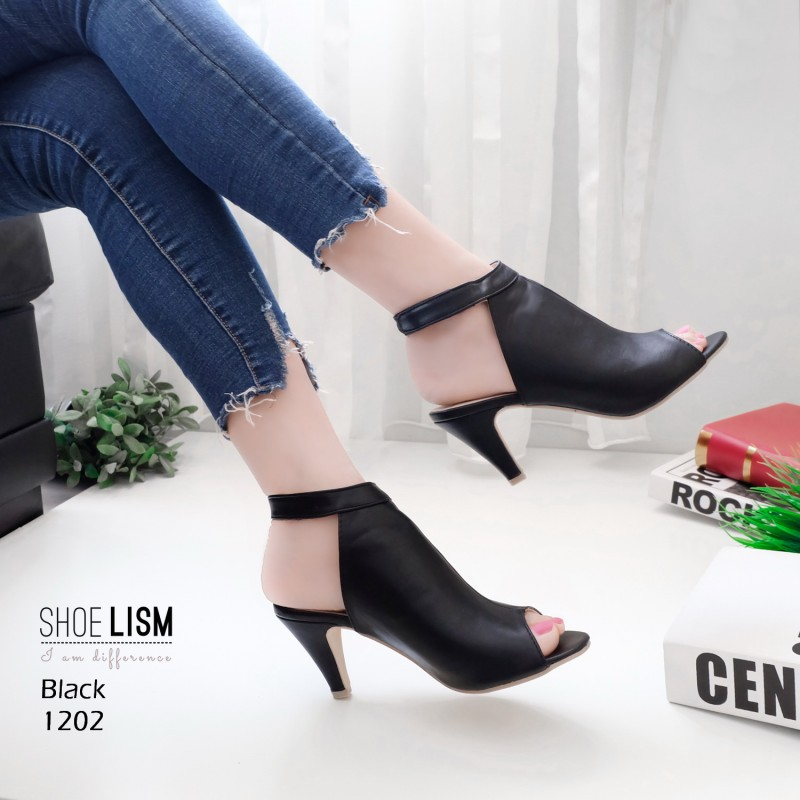 รองเท้าส้นสูงหน้าเต็มสีดำ งานสไตล์ปราด้า รัดข้อ LB-1202-ดำ