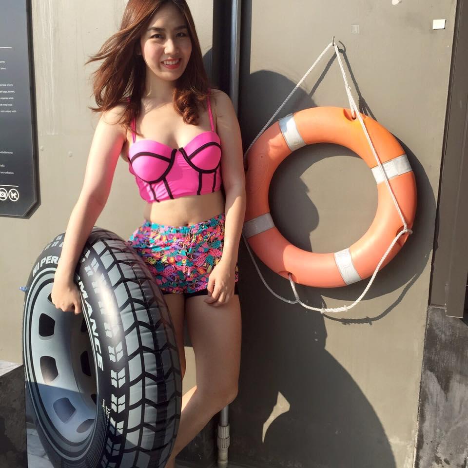 ชุดว่ายน้ำทูพีชกางเกงขาสั้น