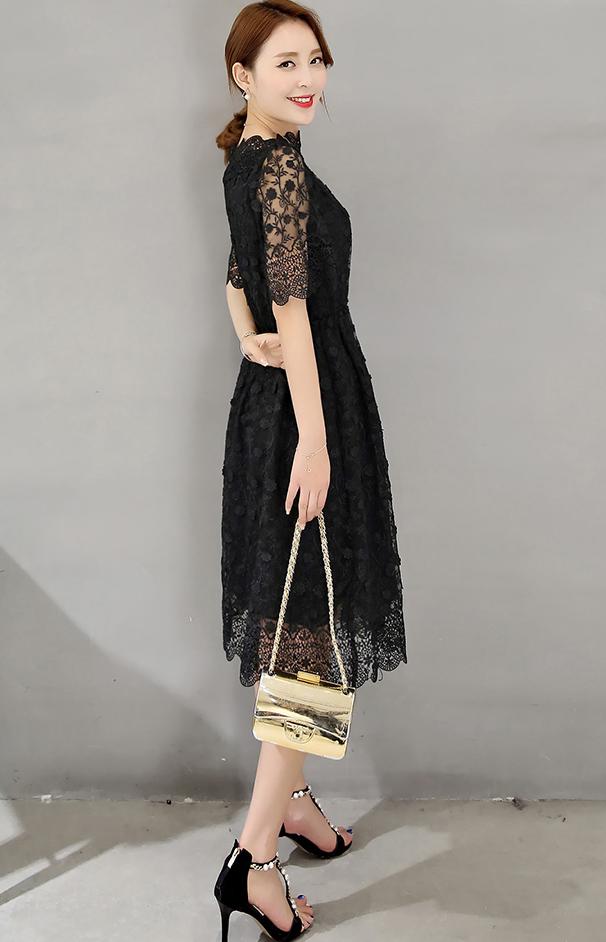 เดรสสีดำ ตัวนี้ผ้าลูกไม้สวยมากกกกปักแน่นมากก ผ้าดีมากก แบบสวม เอวสมอค ปลายกระโปรง แขนและคอสวยเลยค่ะ