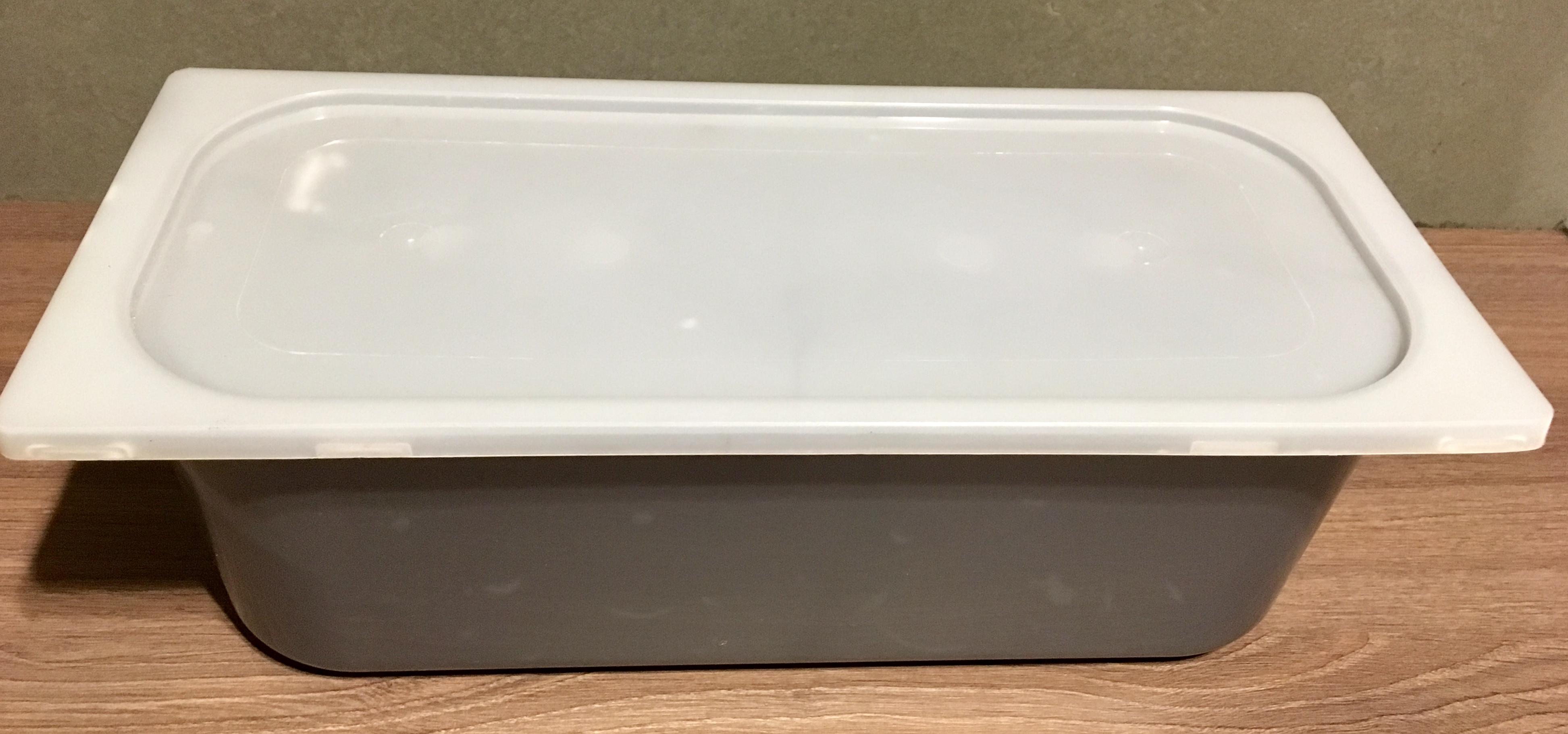 ถาดสไอศครีมพลาสติก #1/3 x 10 (3-4 kg.) พร้อมฝาปิด