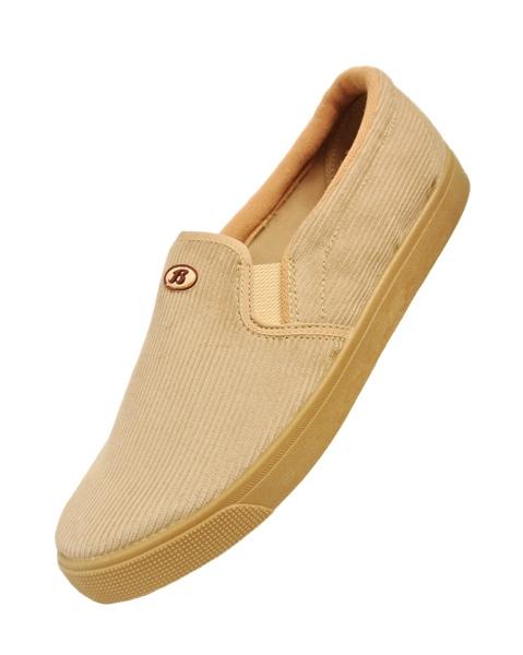 รองเท้าหุ้มส้นบาจาลูกฟูกสีครีม