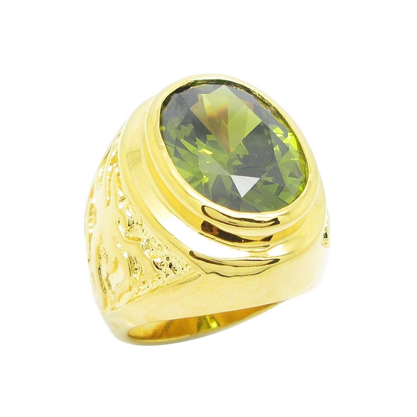 แหวนผู้ชายพลอยรูปไข่สีเขียวส่องประดับลายฉลุมังกรชุบทอง