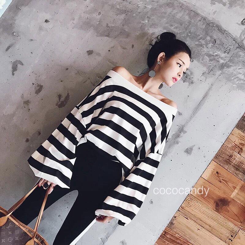 เสื้อแฟชั่น Stripe OpenShoulder BellSleeves Top