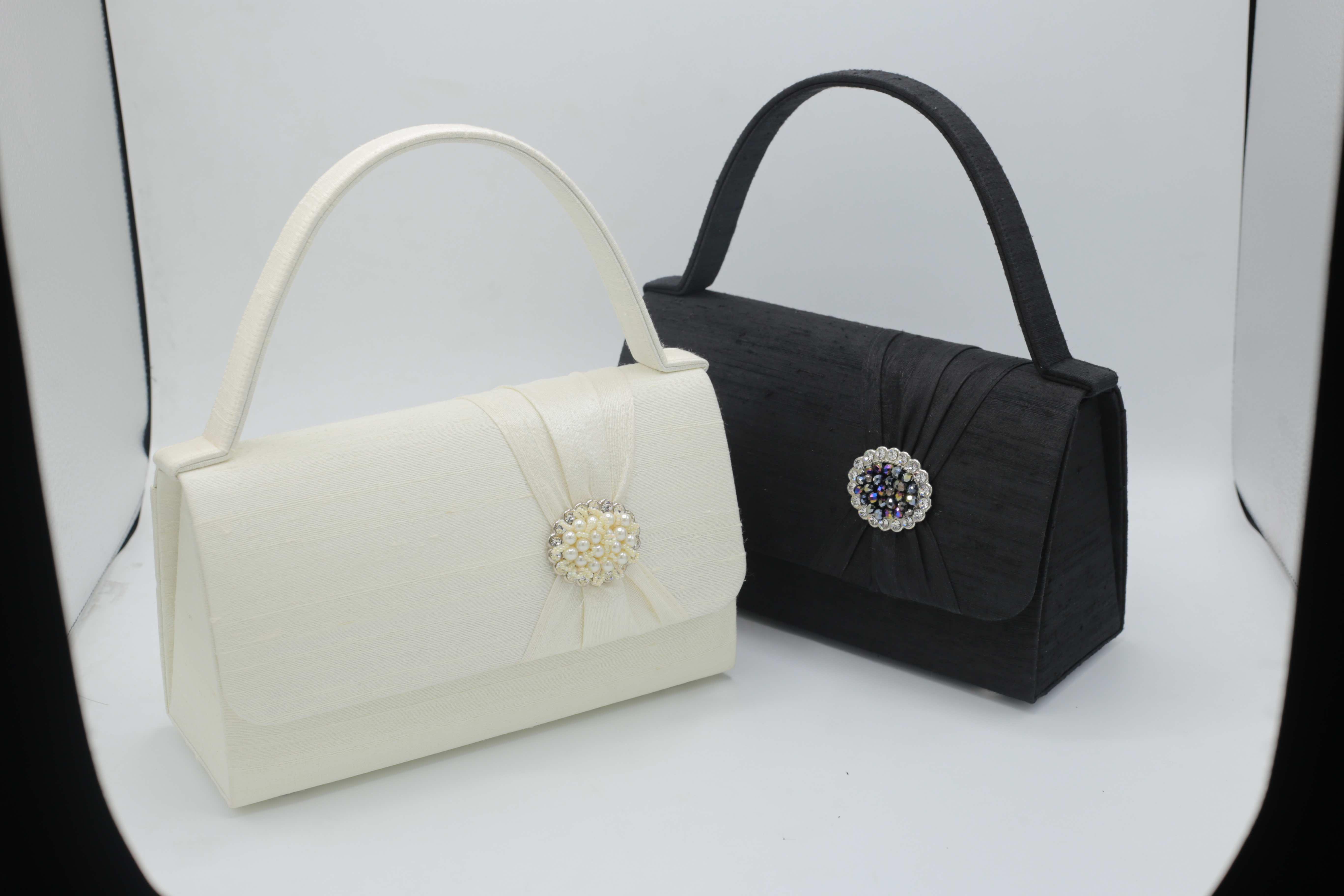 C04001 กระเป๋าญี่ปุ่น แก้วกานต์ไหมไทย