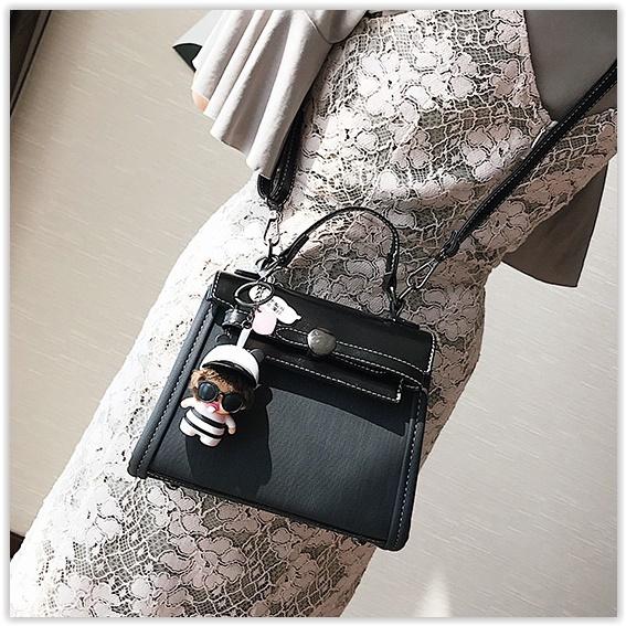 (พร้อมส่ง)กระเป๋าแฟชั่น สีดำ