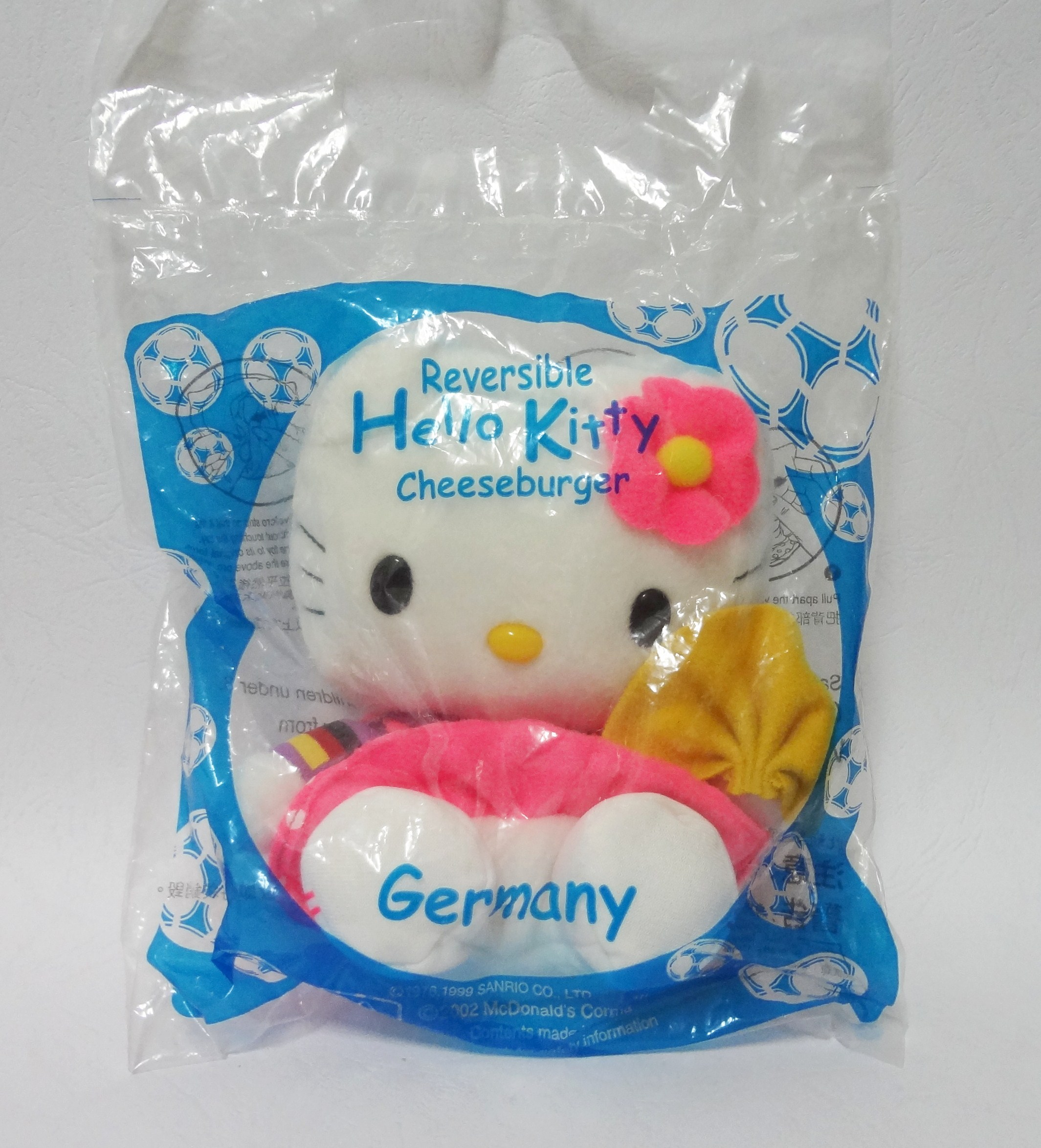 ตุ๊กตา Reversible Hello Kitty-Cheeseburger-Germany