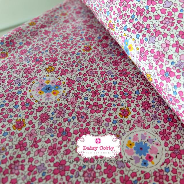 ผ้าคอตตอนไทย 100% 1/4 ม.(50x55ซม.) ลายดอกไม้เล็กๆ โทนสีชมพู